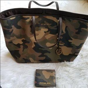 Michael Kors camo purse and wallet set